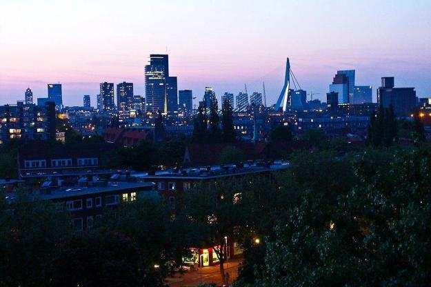 Rotterdam bij avond (1)