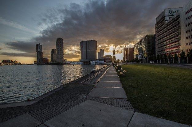 Rotterdam v.a. Postumalaan.